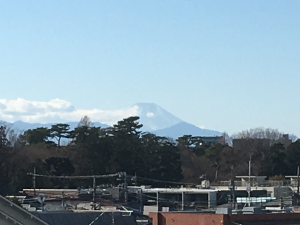 教室アルファから見えた富士山